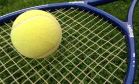 Теннисист Хачанов одержал победу над Гариным и сыграет с Джоковичем