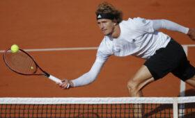 Скандал с теннисистом Зверевым: пожаловался на симптомы COVID-19, но вышел на игру