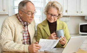 Более половины должников в России — это пенсионеры