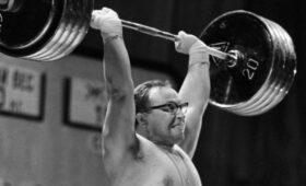Штангист на все времена: 85 лет олимпийскому чемпиону Юрию Власову