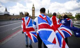 Эксперты прогнозируют проблемы на первых порах действия сделки Brexit — ПРАЙМ, 31.12.2020