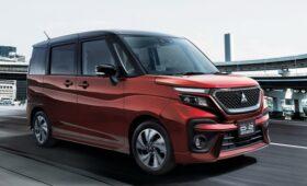 Delica сменила поколение, но это не тот самый вэн, да и не совсем Mitsubishi