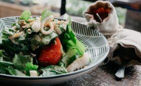 Ученые рассказали о пользе зеленой средиземноморской диеты
