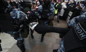 Полиция опросила пострадавших от применения силы на акции в Москве