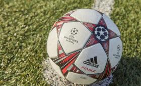 В российских школах будут проводить уроки футбола