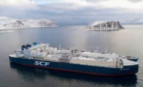 Газовоз с Ямала впервые в январе прошел Севморпуть без ледокола на восток