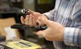 Чешская компания договорилась о покупке производителя оружия «Кольт»
