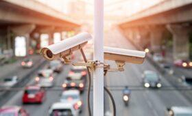 В России могут изменить дорожные знаки: споры о табличке «Фотовидеофиксация» продолжаются