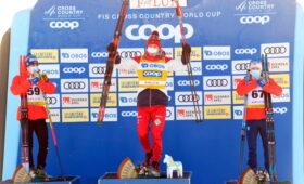 Большунов победил в масс-старте на этапе Кубка мира