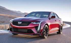 Допинг для аутсайдера: представлен Cadillac CT4-V Blackwing с 479-сильным V6