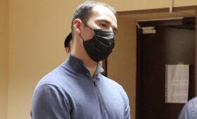 Вместо рассмотрения апелляции на приговор Широков возле суда грузил коробки