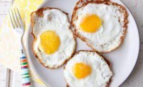 Медики объяснили, почему яичница на завтрак – это вредно