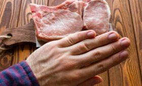 Ученые оценили связь употребления мяса с риском 25 болезней