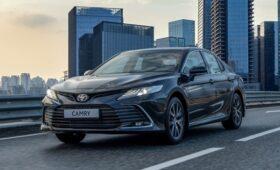 Рестайлинг принёс российской Toyota Camry новые моторы и версию GR Sport