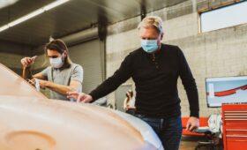 Дёшево и стильно: Fisker замахнулся на славу классических Mini и VW Beetle