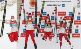 Российские лыжницы завоевали серебро на чемпионате мира