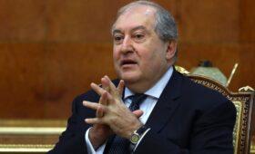 Совбез Армении потребовал от Саркисяна уволить главу Генштаба
