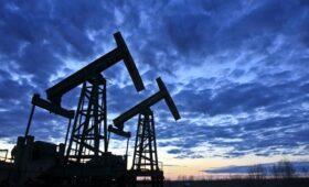 Страны ОПЕК+ решили не увеличивать добычу нефти в апреле