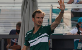 Медведев не сумел выйти в полуфинал турнира ATP серии «Мастерс» в Майами