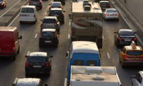 Пробки в Москве достигли максимального уровня в день репетиции парада Победы