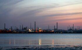Минэнерго допустило влияние пандемии на потребление нефти до 2024 года
