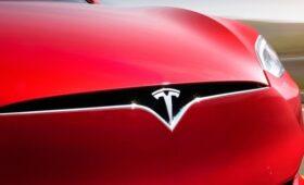 Вопрос всё ещё не решён: Tesla продолжает бороться с Rivian в суде