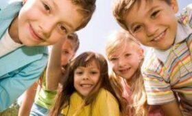 Врачи объяснили, почему детям и подросткам коронавирус не страшен