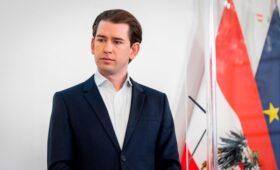 Канцлер Австрии предложил Путину провести встречу с Байденом в Вене