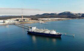 В Газпроме сравнили углеродный след от поставок СПГ из США с динозаврами