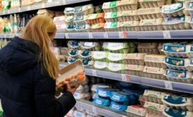 В правительстве заявили о требующих внимания ценах на яйца и сахар