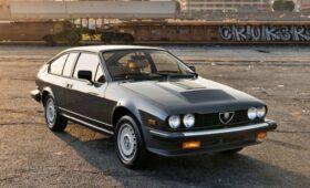 Alfa Romeo GTV6 Марио Андретти выставлена на продажу: скромный пробег и почти без коррозии
