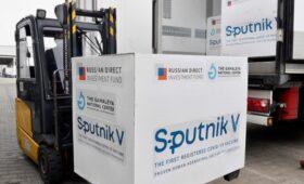 В СВР обвинили «высокие кабинеты ЕС» в затягивании одобрения «Спутник V»