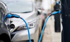 СМИ сообщили о возвращении пошлины на ввоз электромобилей в Россию
