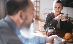 Болезни сердца у одного супруга удваивают их риск у второго
