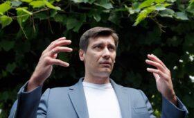 Дмитрий Гудков уехал из России из-за уголовного дела