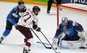 ЧМ по хоккею: Швеция победила Словакию, Латвия уступила Финляндии