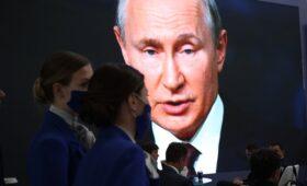 Путин наложил вето на закон об ответственности СМИ за фейки