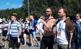 Финские болельщики прибыли в Петербург с песнями и пивом