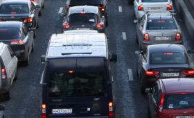 Дептранс призвал москвичей быть аккуратными на дорогах в жару