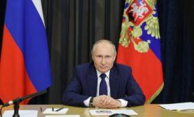 Путин увидел необходимость в людях «от земли» в депутатском корпусе