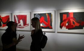 Петербуржцы смогут увидеть более ста работ Энди Уорхола
