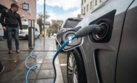Аналитики сообщили о росте продаж электромобилей в семь раз с начала года