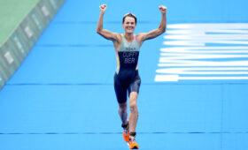 Триатлонистка Флора Даффи завоевала первую в истории золотую медаль для Бермудских островов