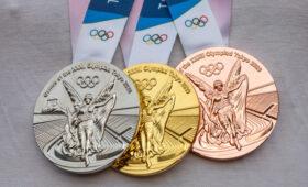 Олимпийские медали игр в Токио изготовили из переработанной бытовой электроники