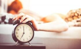 Медик рассказали, как будильник влияет на здоровье организма