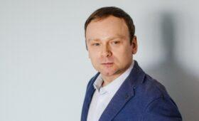 На политолога завели дело по клевете на ветерана из дела Навального