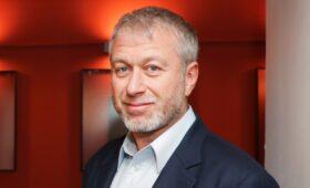 Абрамович подал в суд на австралийского издателя книги «Люди Путина»