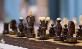 Спортдайджест: пловцов не пустили на ОИ из-за ошибки, юный скейтбордист исполнил чудо-трюк, 750 человек сразились в шахматы