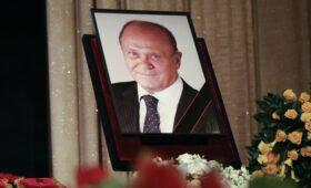 «Он ушел, но его фильмы продолжают жить»: завершилась церемония прощания с Владимиром Меньшовым