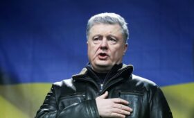 Порошенко словами «нам по барабану» ответил на статью Путина об украинцах»/>